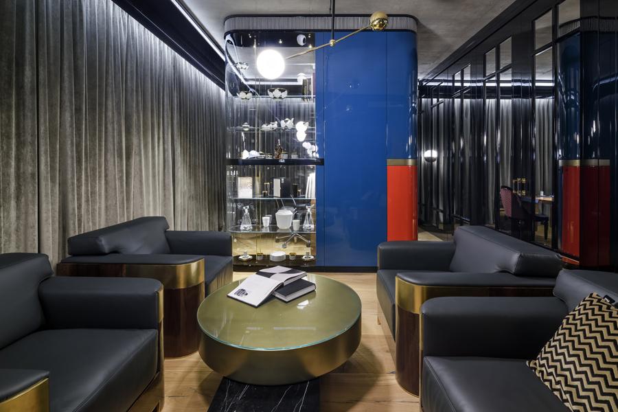 Gabinet fotele i witryna Art Deco
